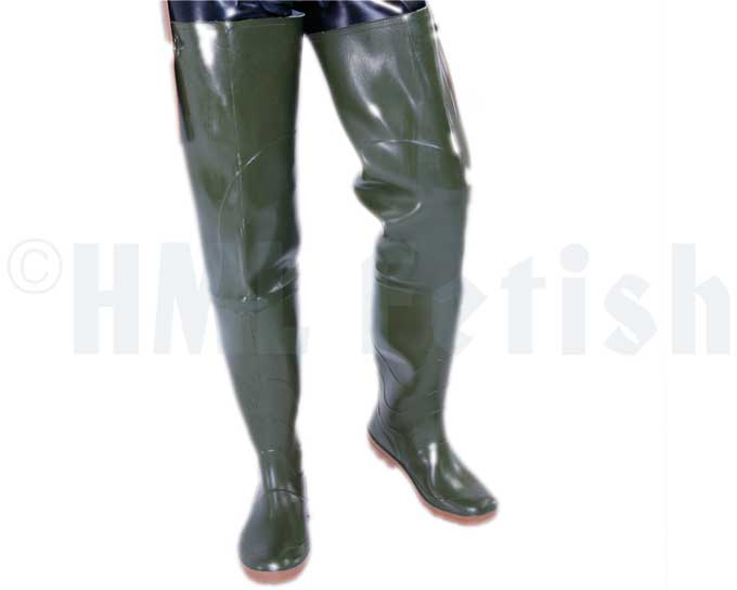 Waders olive, lined Colour-up your fetish! So we offer you extra tall boots from nitrile rubber (with phthalate free plasticisers), total ca. 85 cm high. 2 mm thick material with adjustable belt straps for any game you can imagine. In stock in german double-sizes.