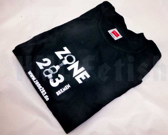 T-Shirt »Zone 283« A Hanes® Beefy-T – 215 g/sqm in black is the base of this exclusive T-Shirt. The Zone 283 is the one club to visit in Bremen as leather- and fetishguy.